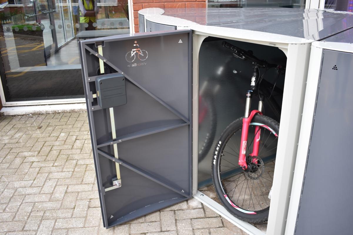 Open electronic access locker