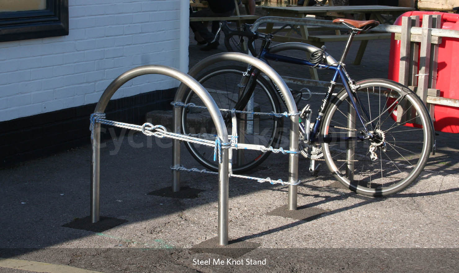 Steel Me Knot Bike Stand