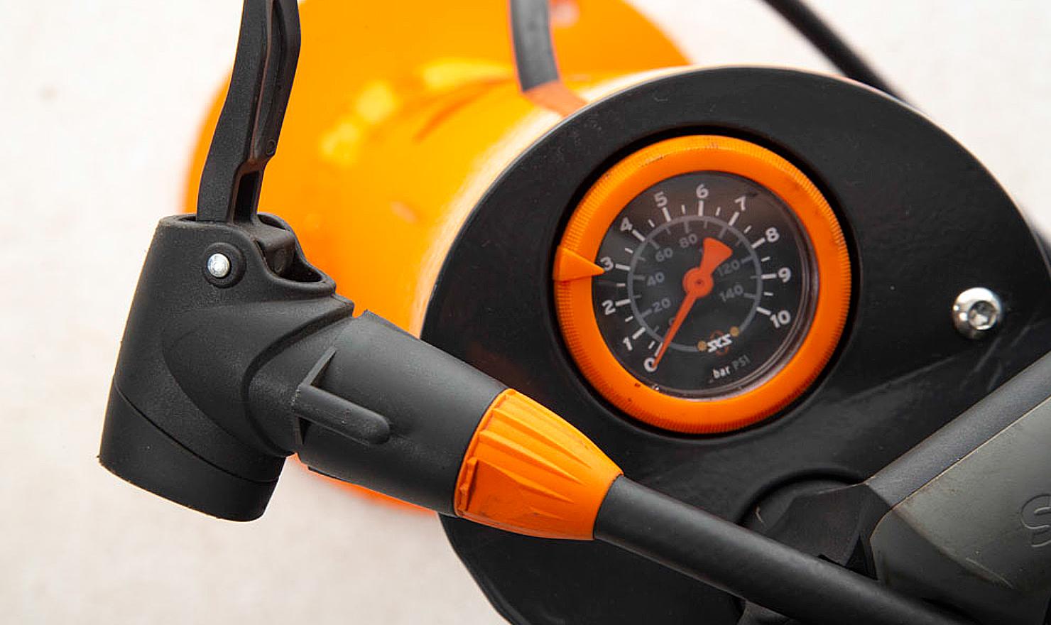 Bike Pump Station with dual Presta and Schraeder valve